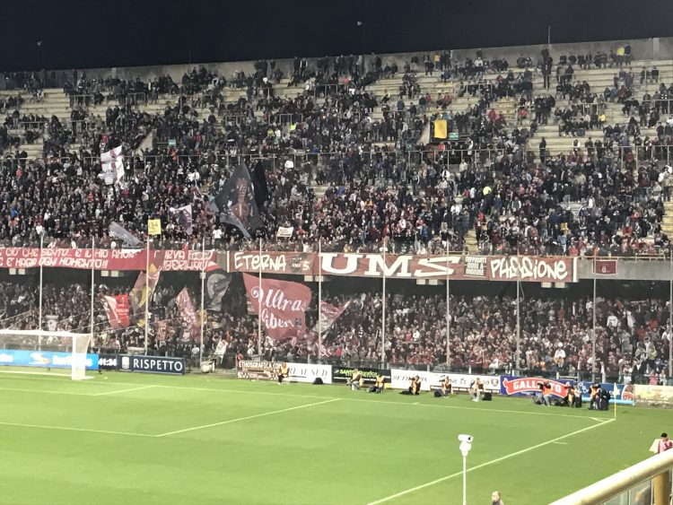 Tracollo Salernitana: tris del Frosinone fra le polemiche, addio ai playoff