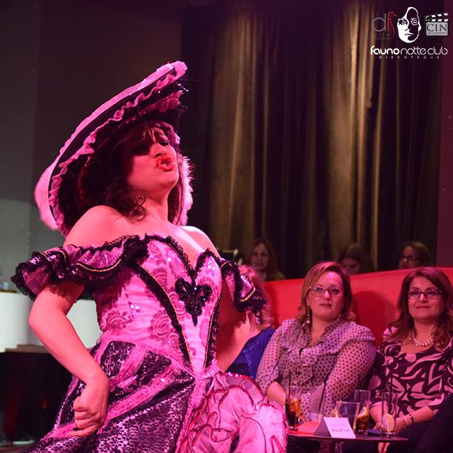 """Cabaret Chantant"" al Fauno Club di Sorrento"
