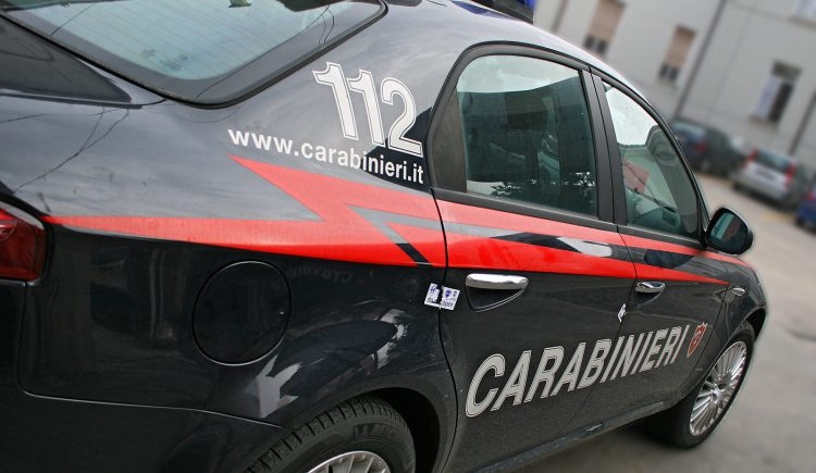 Eboli. Raid in un'officina: ladri in fuga con 12 computer