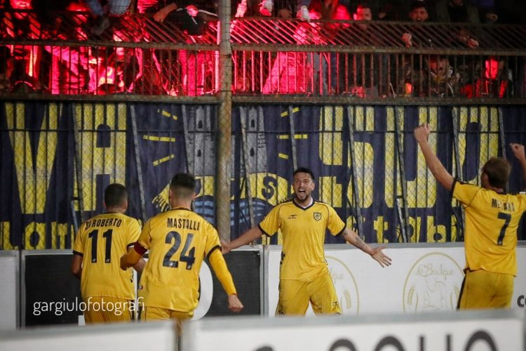 Cavese-Juve Stabia 0-1. Paponi decide il derby