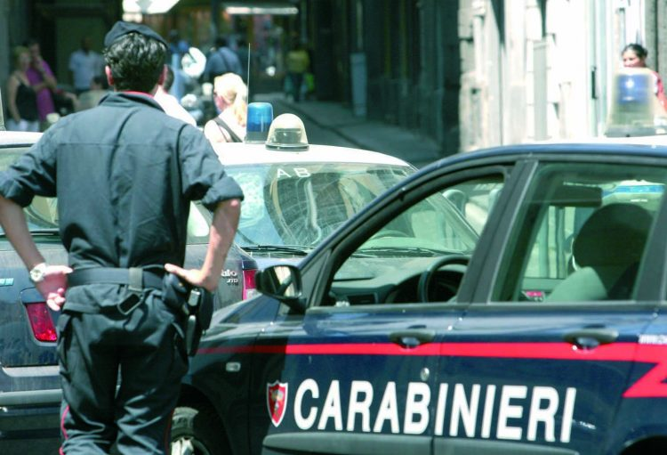 Torre del Greco, presi i pusher di piazza Leopardi: sequestrata cocaina e 13.500 euro in contanti