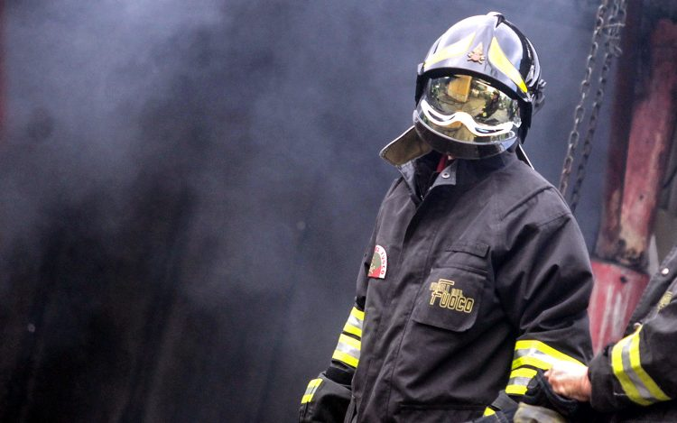 Incendio in una casa di riposo, due morti
