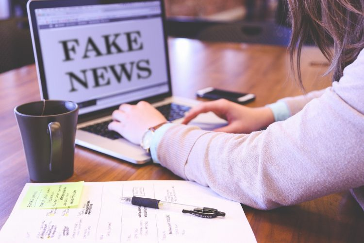 Fake news, industria criminale che uccide come un virus