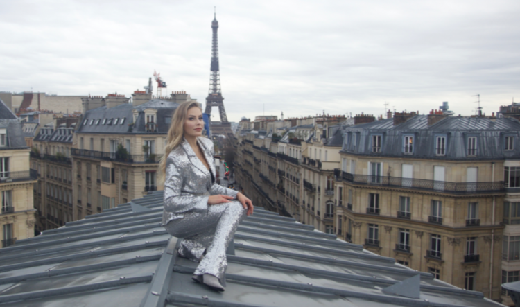 """Rooftops of Paris"", Ginta interpreta i grandi classici della musica pop e jazz"