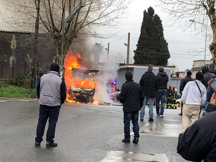 Camion in fiamme, paura a Boscoreale