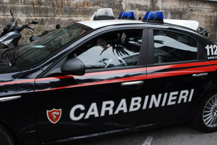 Striano. Rissa a bottigliate e sampietrini tra extracomunitari