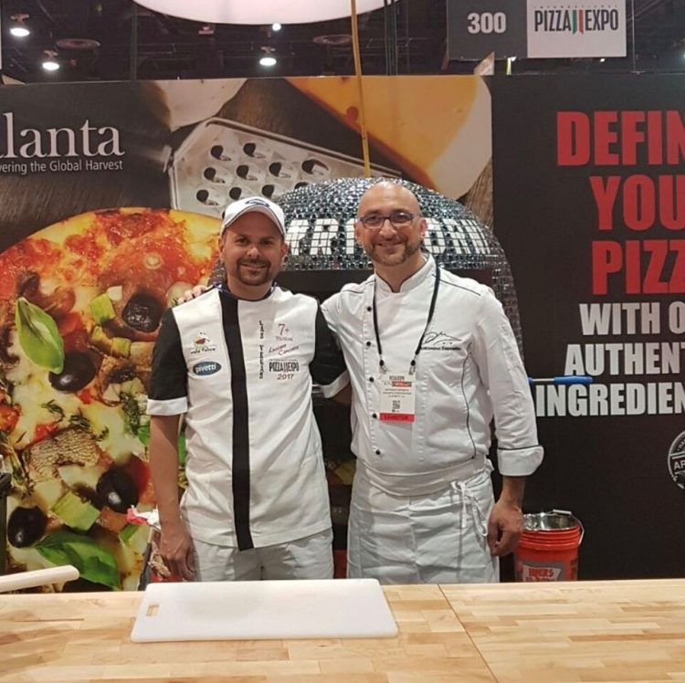 Las Vegas, il pizzaiolo catanese Luciano Carciotto, allievo del maestro sorrentino Antonino Esposito, vince il titolo Pizza Maker of the Year