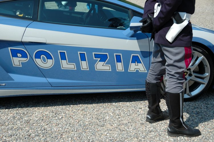 Camorra. Sei arresti per estorsione a Scampia. Pitone in casa di un affiliato