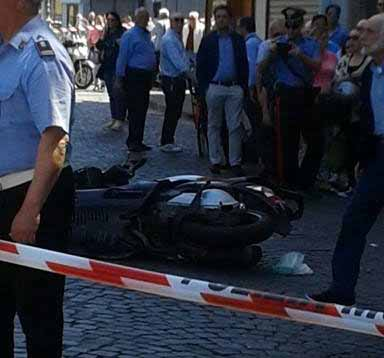 Castellammare. Grave incidente in centro, due feriti