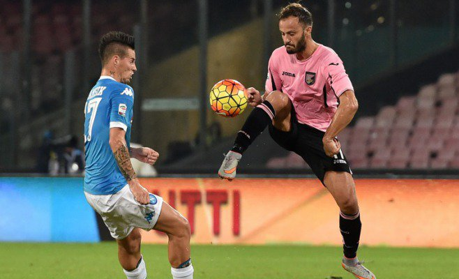 Hamsik assistman, lo slovacco in testa alla classifica