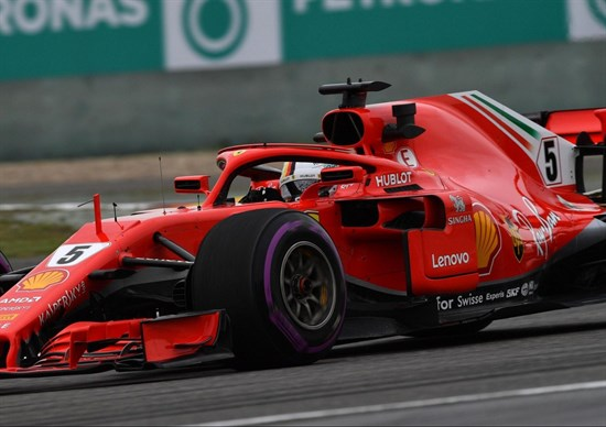 Ferrari super in Cina: Vettel in pole e Raikkonen secondo
