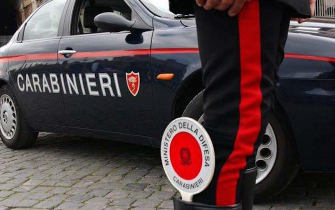 Giugliano. Arrestati 3 carabinieri per false accuse a un immigrato